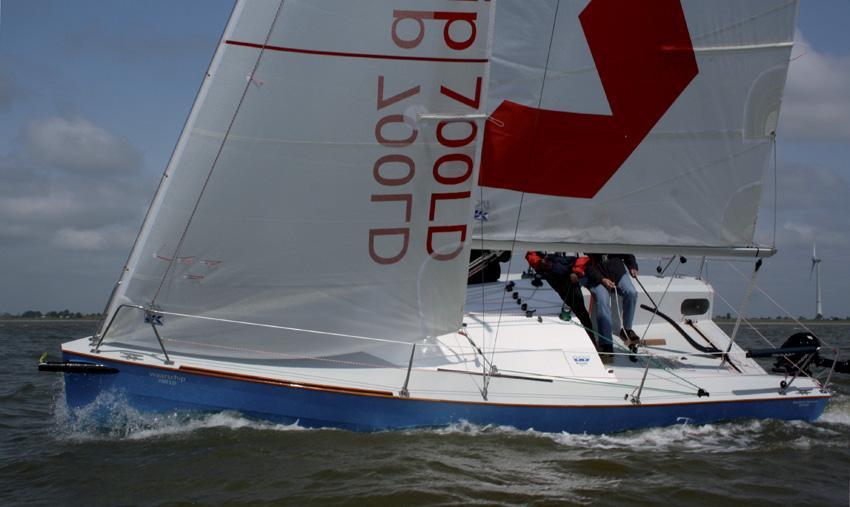 Waarschip-700-10-aan-de-wind-heel-mooi